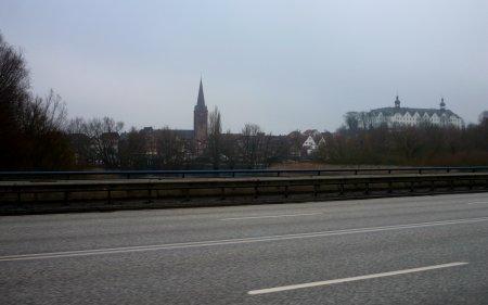Ansicht von der B 76 in Richtung Kiel fahrend
