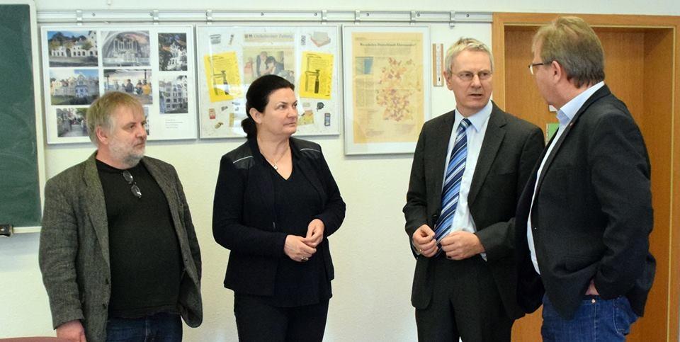 Im Gespräch mit MdEP Krehl, Herrn Stiebel von der Wirtschaftsförderung sowie dem Bürgermeisterkandidaten Lars Winter.